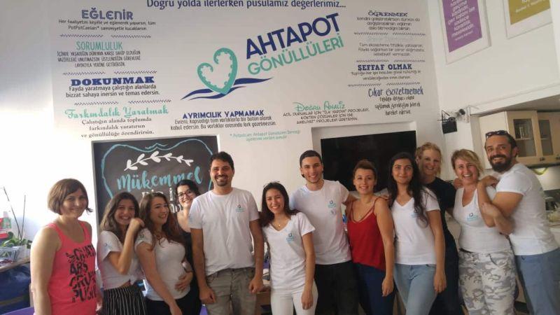 Волонтеры ЭНКА в Центре распределения помощи Ассоциации Волонтеров «Ахтапот»